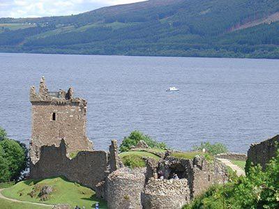 Cruise Loch Ness